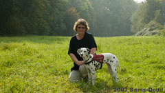 The dalmatian Nala together with her owner. Nala is Denmarks first seizure-alert dog and was trained by Canix.
